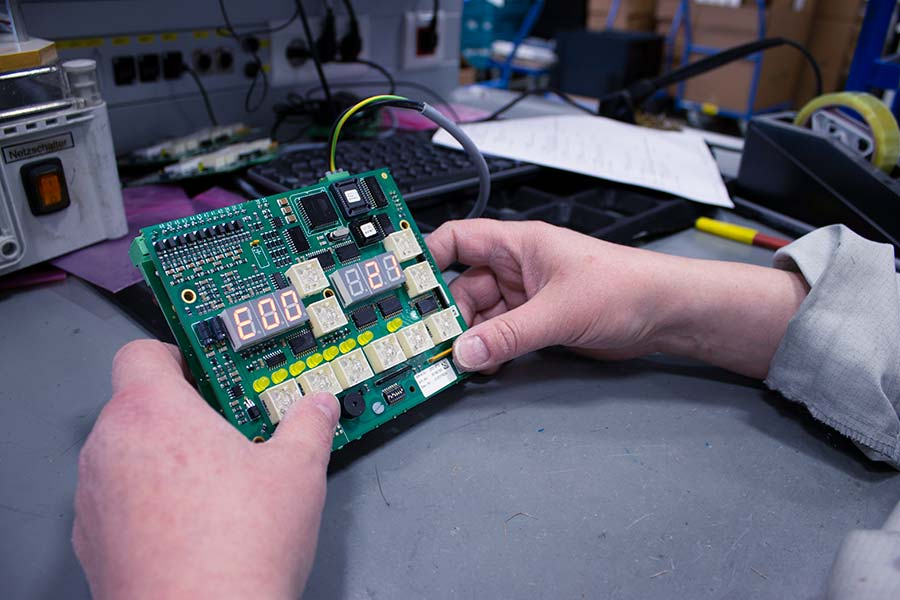 Quality control of electronic components HESCH